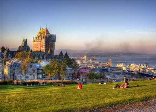 Định cư Canada theo diện vợ chồng