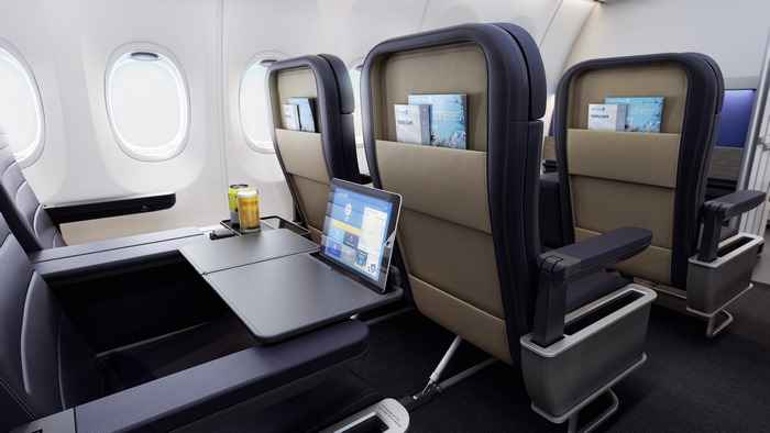 Hạng ghế First Class của United Airlines